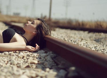 Sleeping-on-the-tracks-2